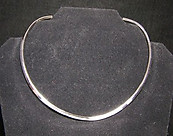 Plain Silver Tone Neck Wire