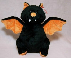 Moonstruck Bat Pluffie