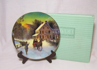 Avon Home for the Holidays Plate