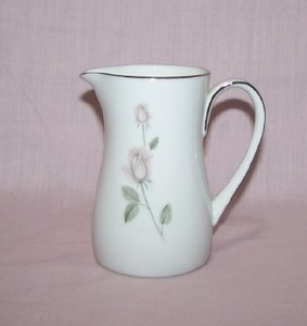 Kenmark China Boutique Creamer